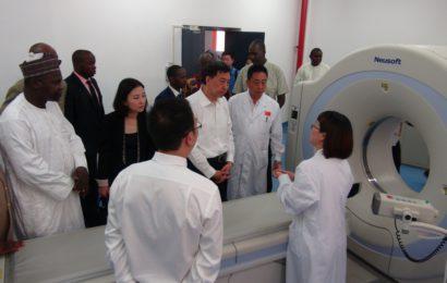 Visite Du Ministre De La Sante Publique Dr Idi Illiassou A L'hôpital Général De Référence