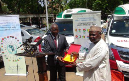 Réception de trois ambulances pour le ministère de la santé
